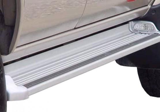 Пороги с подсветкой Toyota Hilux VII Vigo