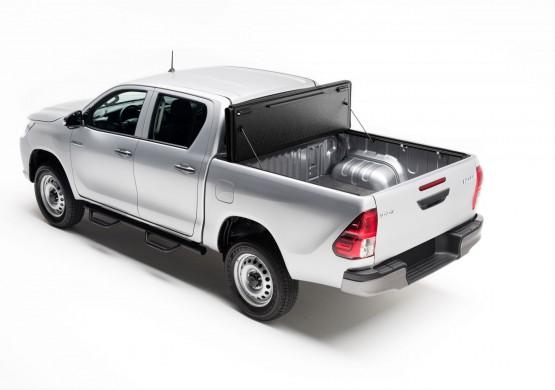 Жесткая четырехсекционная крышка Toyota Hilux VIII Revo