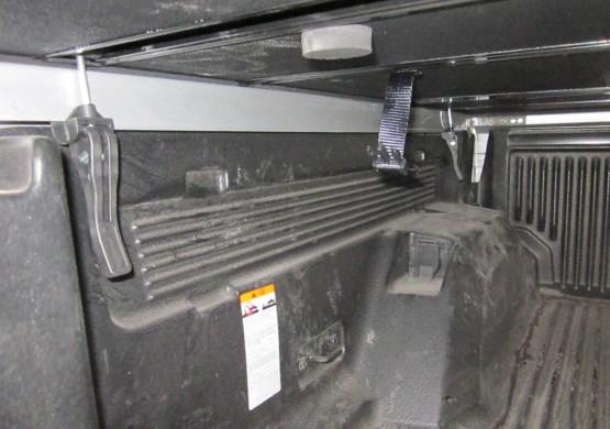 Жесткая трехсекционная крышка Mazda BT-50 II