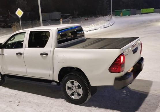 Жесткая четырехсекционная крышка Toyota Hilux VIII Revo (2015+)