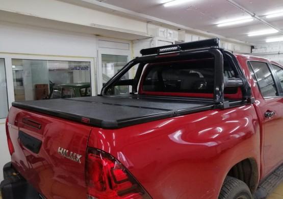 Жесткая трехсекционная крышка Toyota Hilux VIII Revo (2015+)